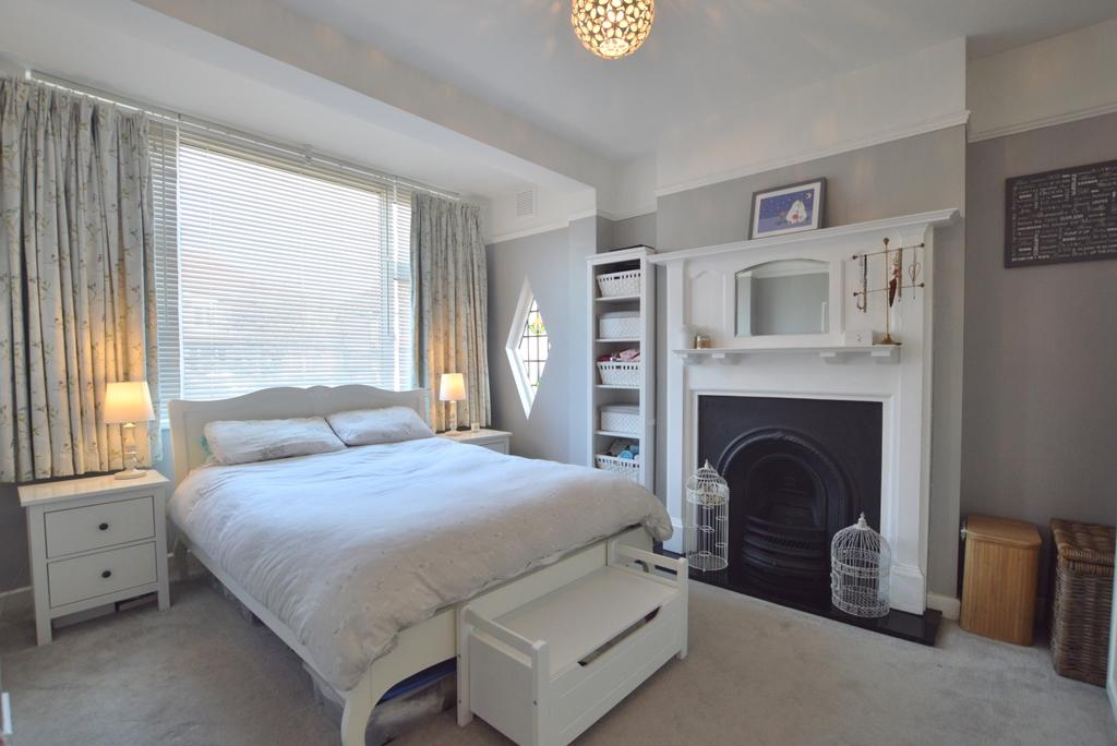 2 Bedrooms Flat for sale in Kent House Road Beckenham BR3