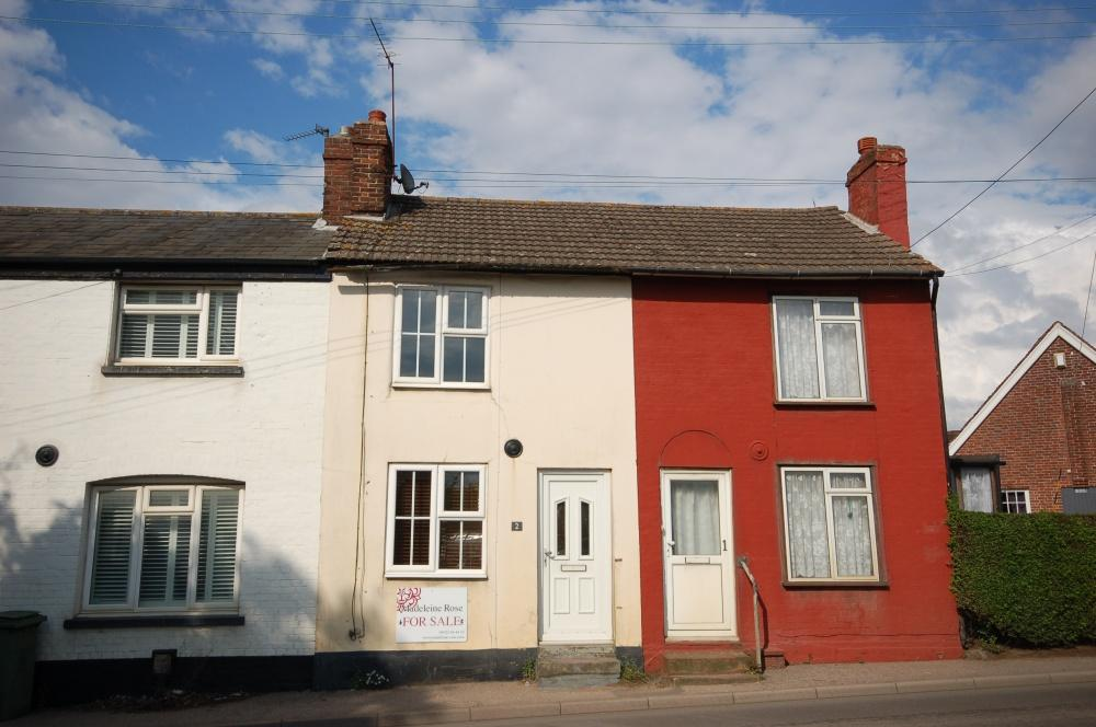 2 Bedrooms Terraced House for sale in Sutton Road, Maidstone, ME17