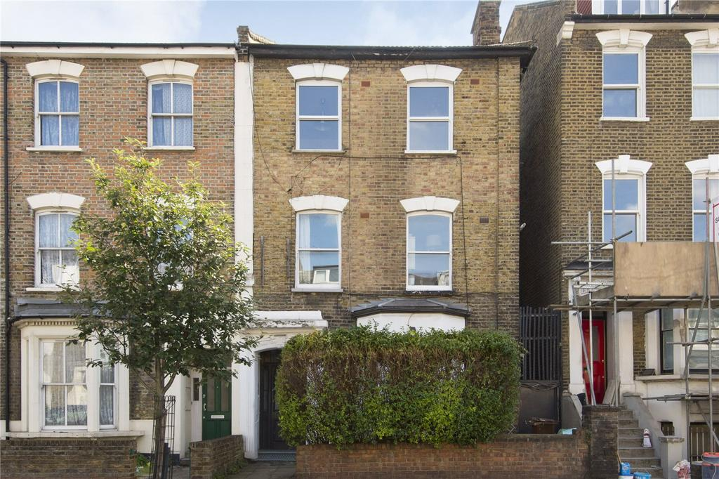 2 Bedrooms Flat for sale in Cricketfield Road, London, E5