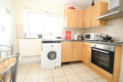 2 bedroom flat for sale - Upton Lodge, London, E7