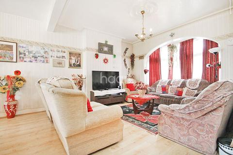 3 bedroom terraced house for sale - Ley Street, Ilford, Essex