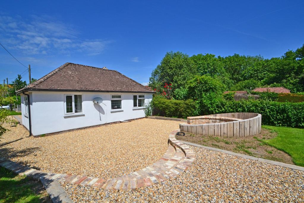 2 Bedrooms Detached Bungalow for sale in Storrington Road, Thakeham, West Sussex, RH20