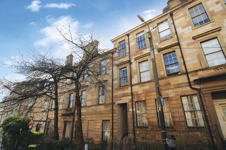 3 Bedrooms Apartment Flat for sale in 17 Glasgow Street, Hillhead, G12 8JW