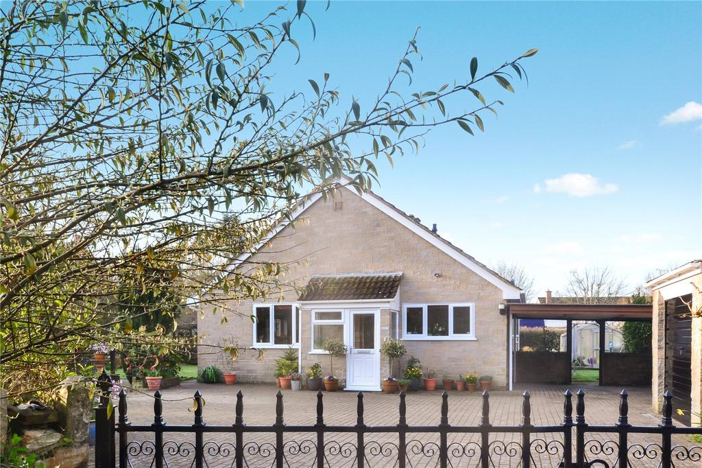 3 Bedrooms Bungalow for sale in Lower Coombses, Chard, Somerset, TA20