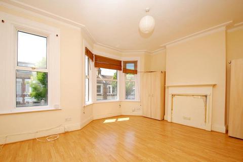 4 bedroom house to rent - Kellino Street Tooting SW17