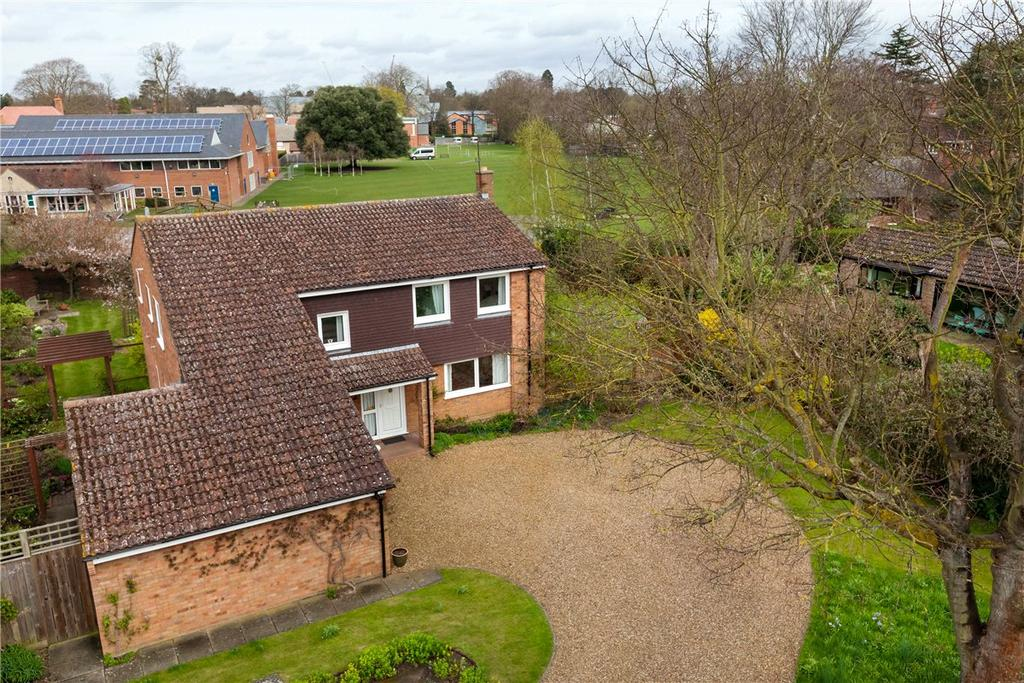 5 Bedrooms Detached House for sale in Rayleigh Close, Cambridge, CB2