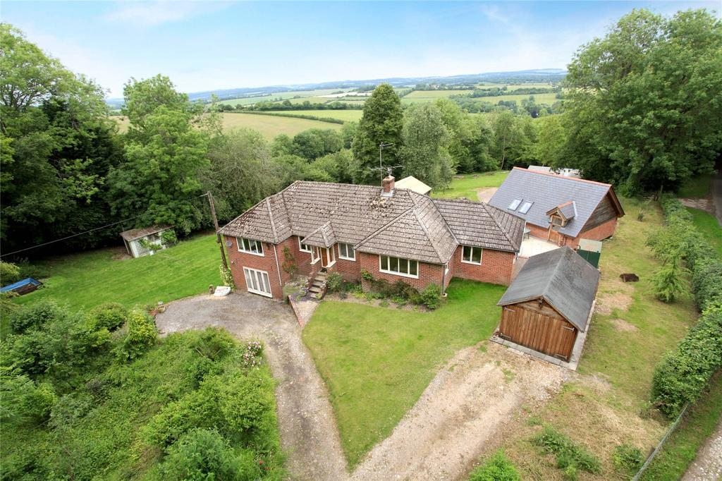 4 Bedrooms Detached House for sale in Stoke Hill, Stoke, Andover, Hampshire, SP11