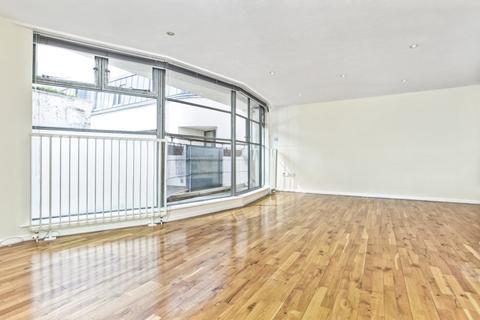 2 bedroom terraced house to rent - Bridel Mews, London, N1