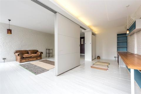 2 bedroom character property to rent - Luke Street, Shoreditch, London, EC2A