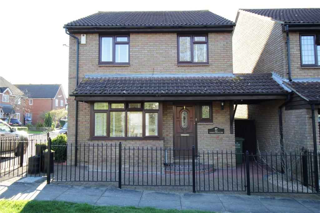 4 Bedrooms Link Detached House for sale in Nightingales, Langdon Hills, Essex, SS16