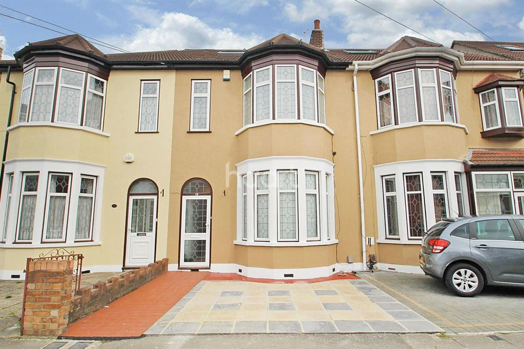 6 Bedrooms Terraced House for sale in Seven Kings Road, Seven Kings, Ilford, Essex