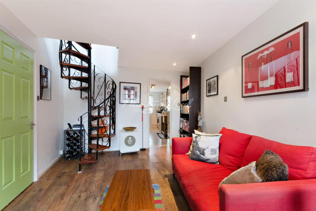2 Bedrooms Flat for sale in Mile End Road, Stepney, E1