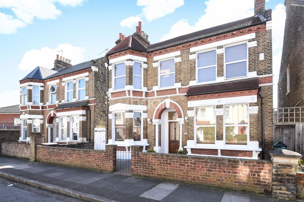 5 Bedrooms Detached House for sale in Lyveden Road, Tooting, SW17