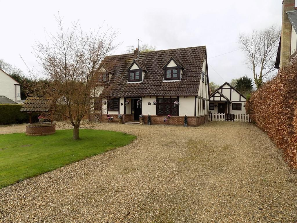4 Bedrooms Detached House for sale in Broadgate, Sutton St Edmund