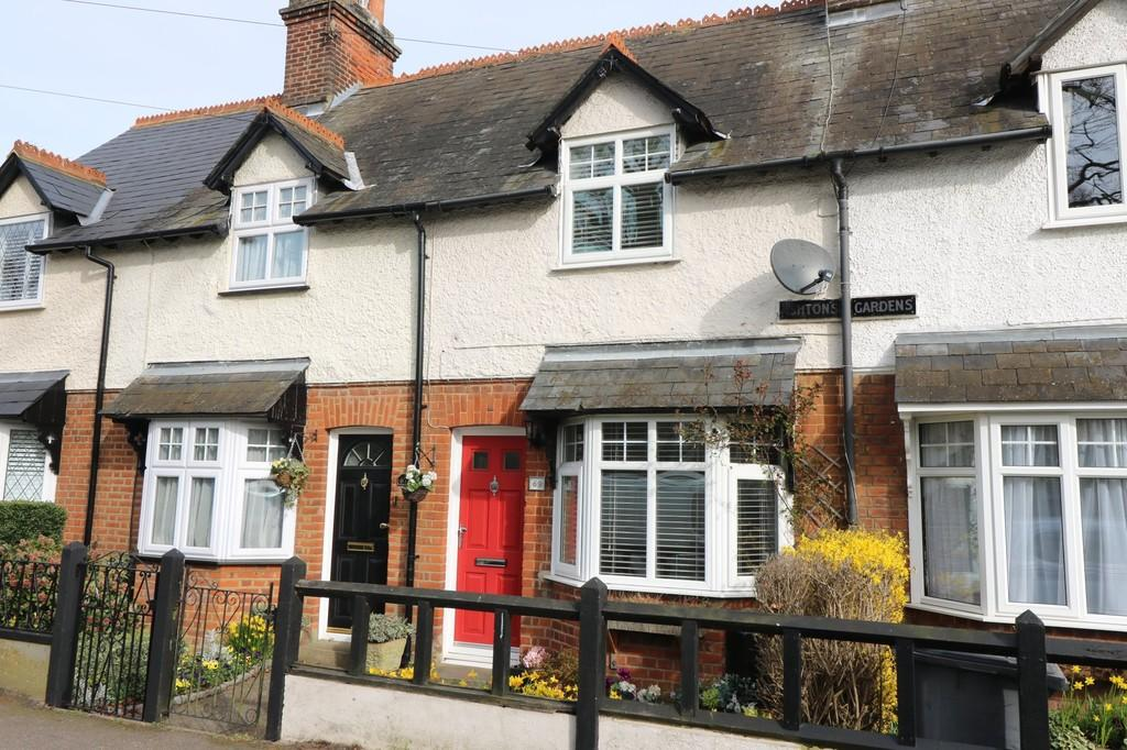 2 Bedrooms Terraced House for sale in Station Road, Puckeridge