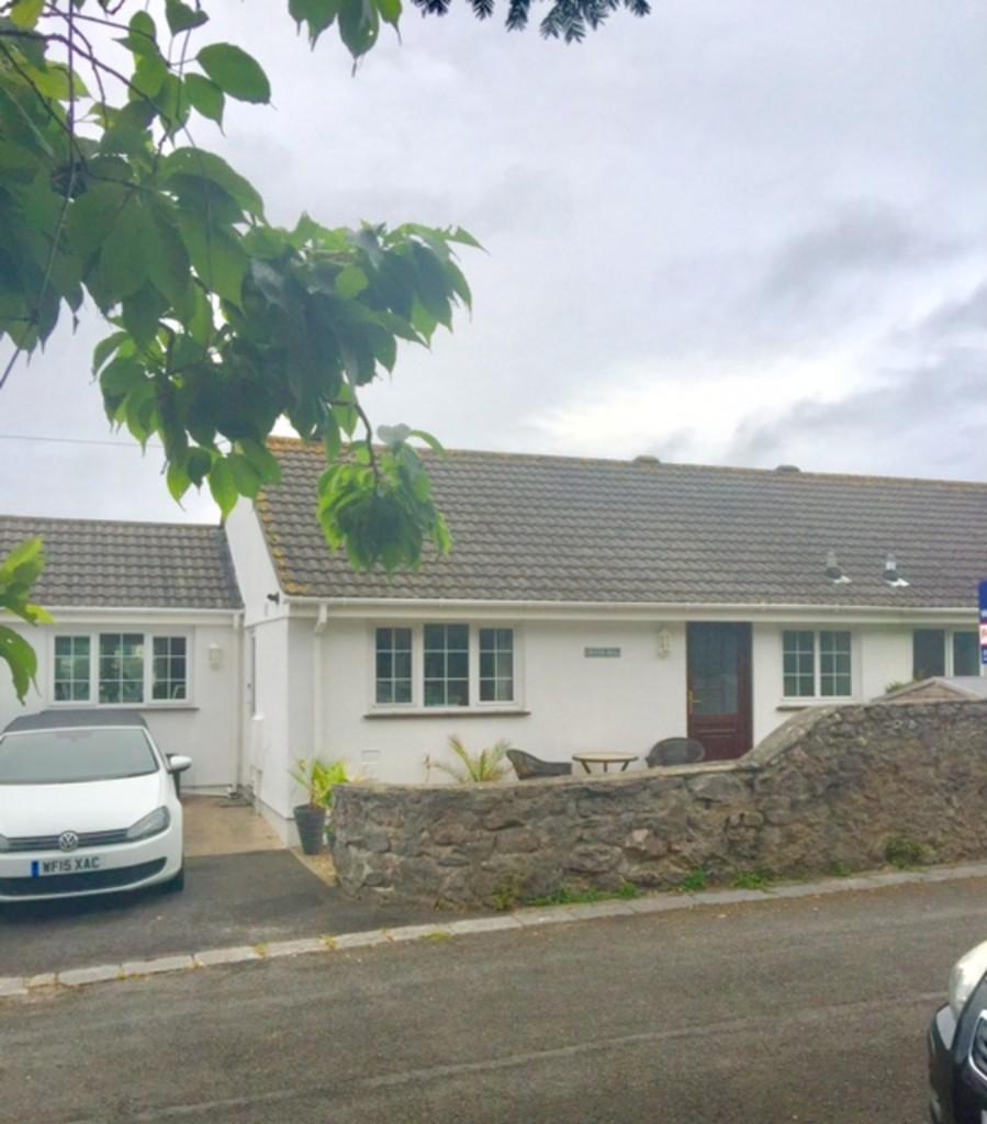 3 Bedrooms Semi Detached House for sale in Ridgeway Road, Torquay