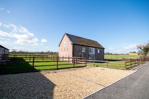 4 bedroom property for sale - Edwards Barn, Cornish Hall Barns, Holt, LL13 9SW