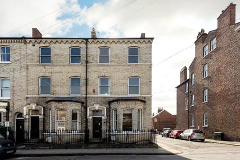 6 bedroom townhouse for sale - Priory Street, York, YO1