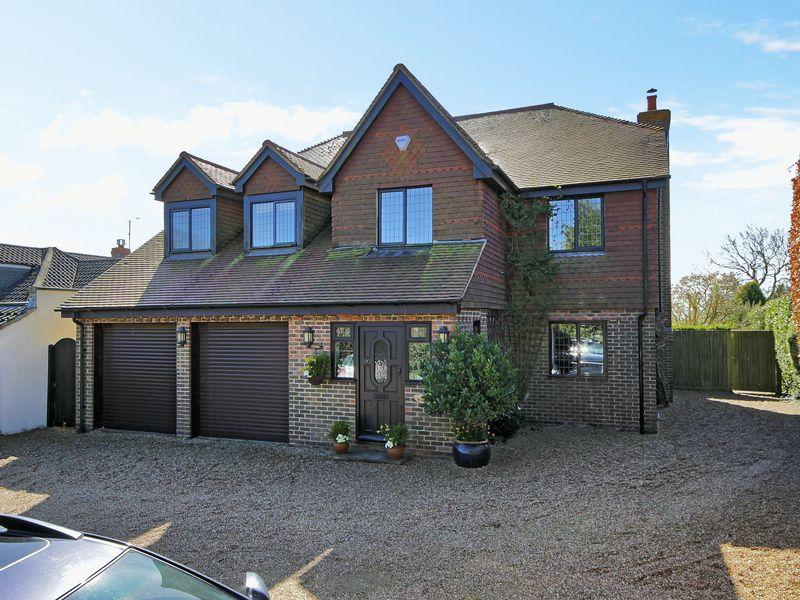 5 Bedrooms Detached House for sale in Nash Lane, Scaynes Hill, West Sussex