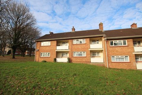 1 bedroom flat for sale - Oak House, Hollybush Estate