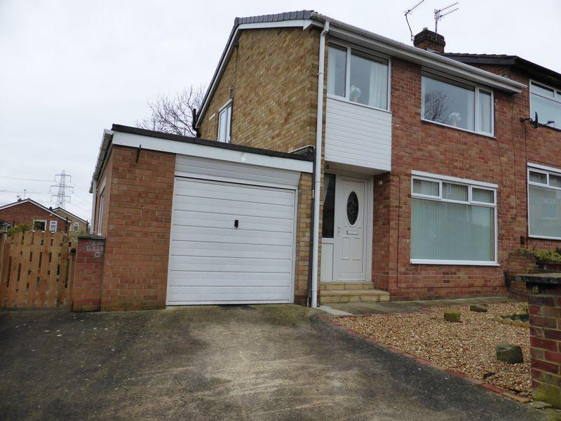 3 Bedrooms Semi Detached House for sale in Seymour Grove, Eaglescliffe