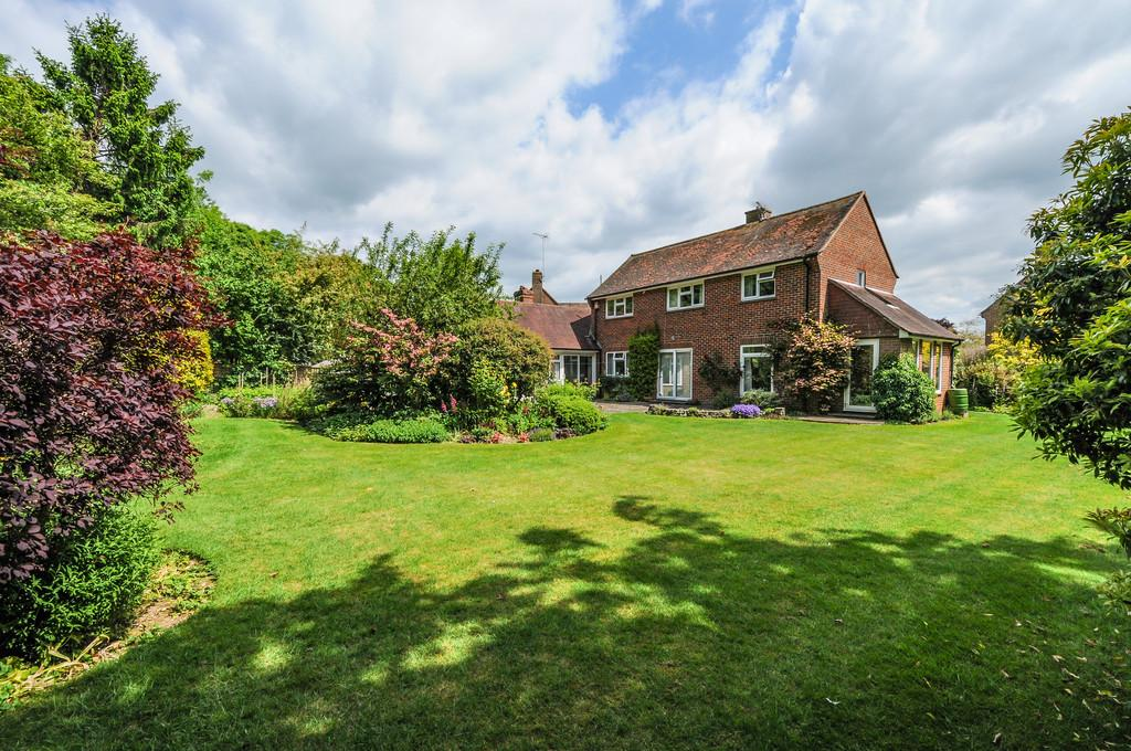 3 Bedrooms Detached House for sale in The Close, Lavant