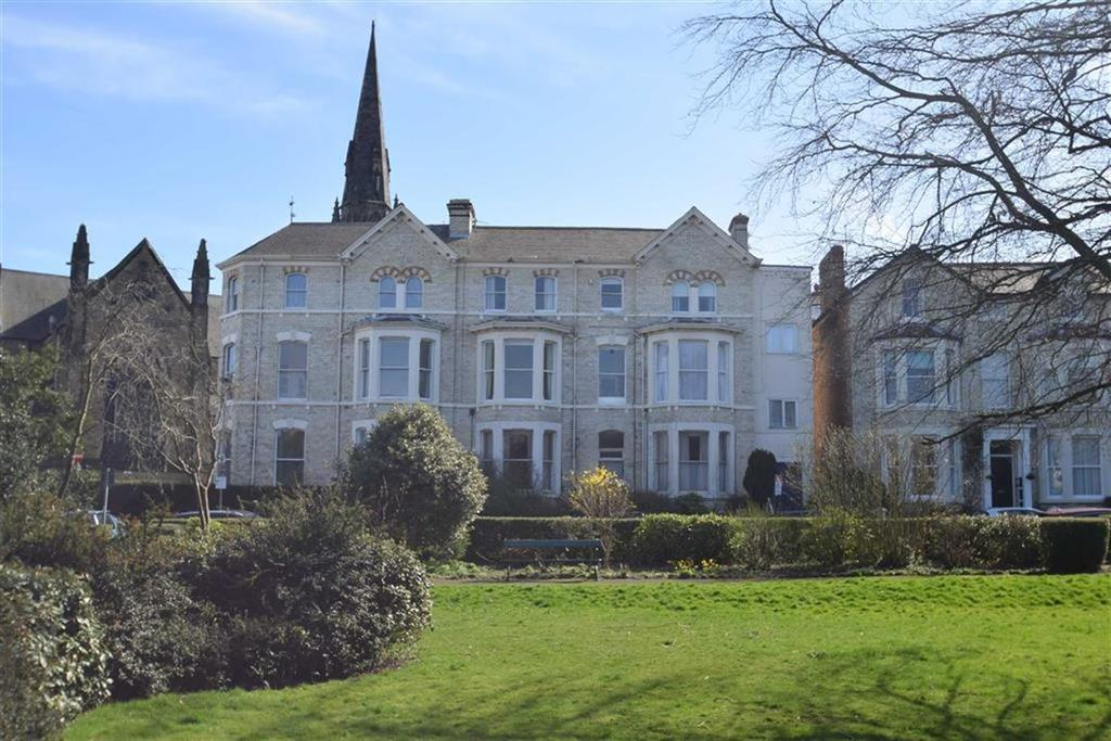 2 Bedrooms Flat for sale in Grosvenor Crescent, Scarborough, YO11