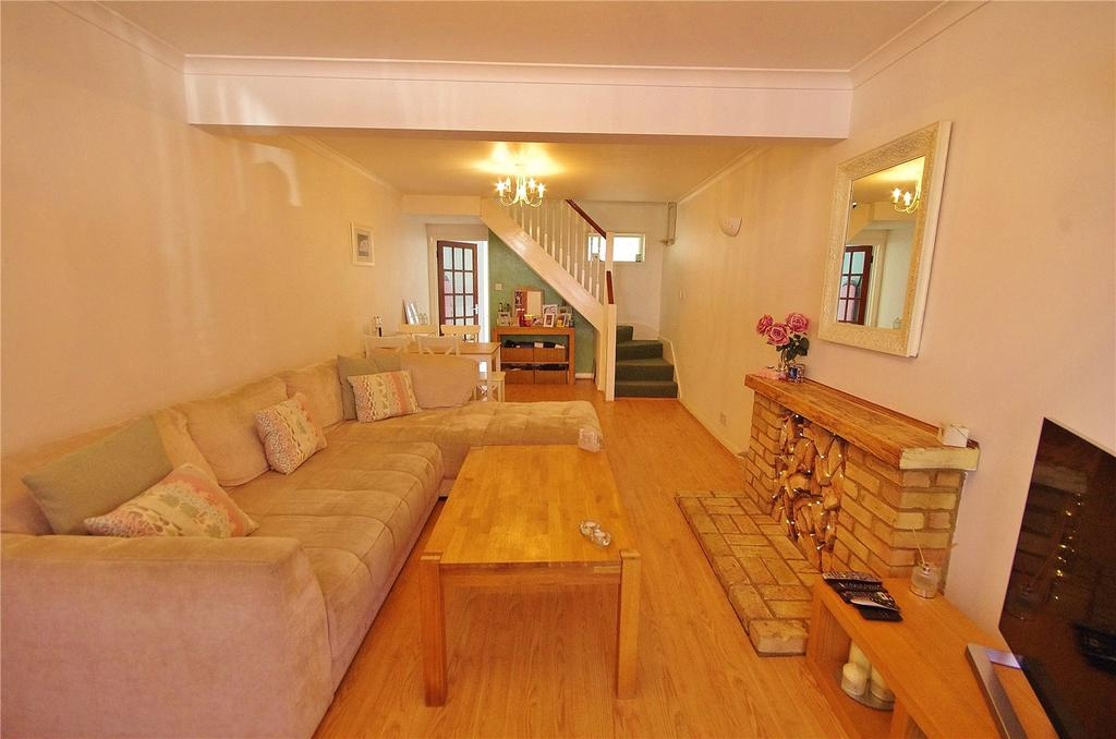 2 Bedrooms Terraced House for sale in St Marys Road, Watford, Hertforshire, WD18