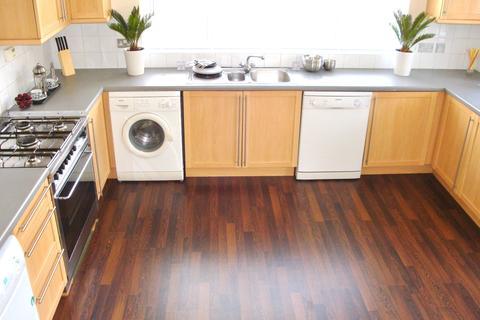 6 bedroom ground floor flat to rent - Ancaster Road, West Park, Leeds, LS16 5HH