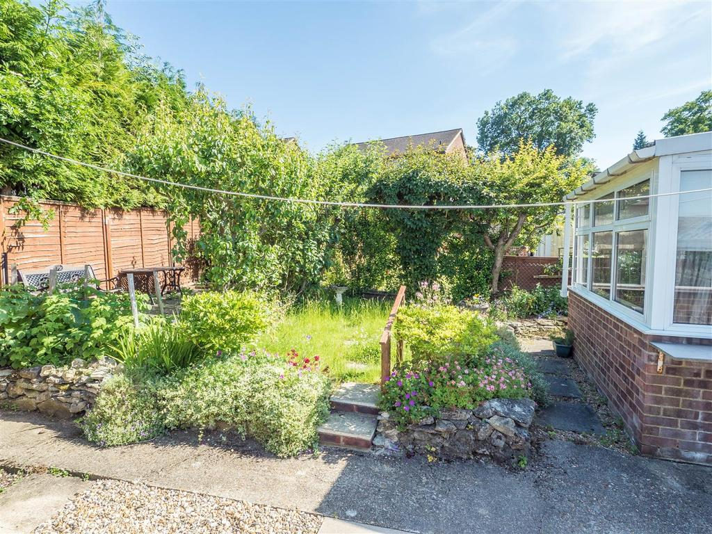2 Bedrooms Bungalow for sale in Longham Copse, Downswood, Maidstone
