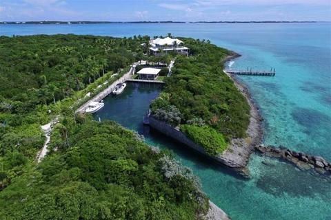 9 bedroom villa  - Foot's Cay, Near Guana Cay, Abaco