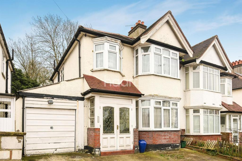 3 Bedrooms End Of Terrace House for sale in Grange Road, Upper Norwood, SE19