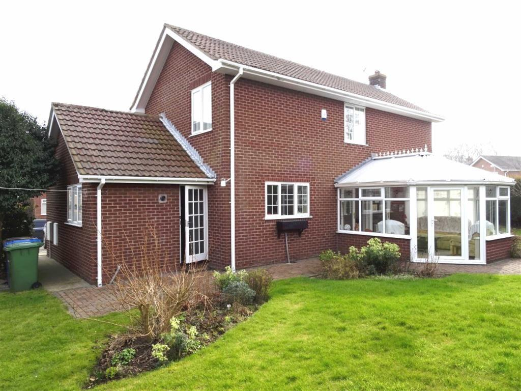 3 Bedrooms Detached House for sale in Keppel Drive, Bridlington, East Yorkshire