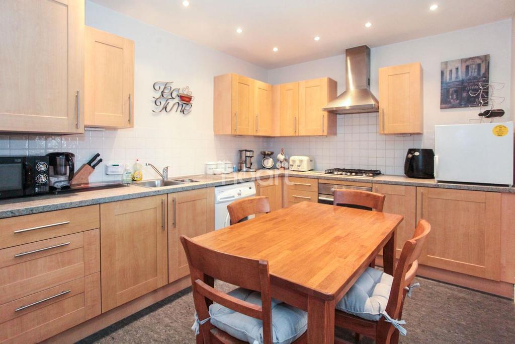 1 Bedroom Flat for sale in Moors Walk