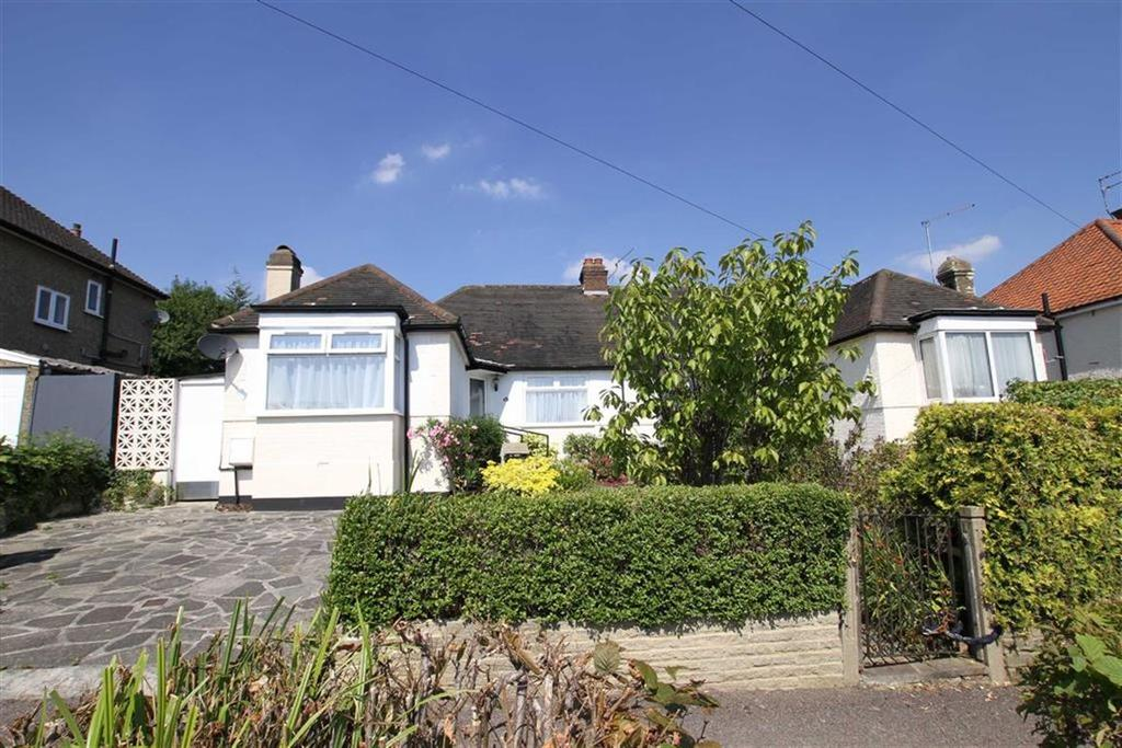 3 Bedrooms Semi Detached Bungalow for sale in Eversleigh Road, New Barnet, Herts, EN5