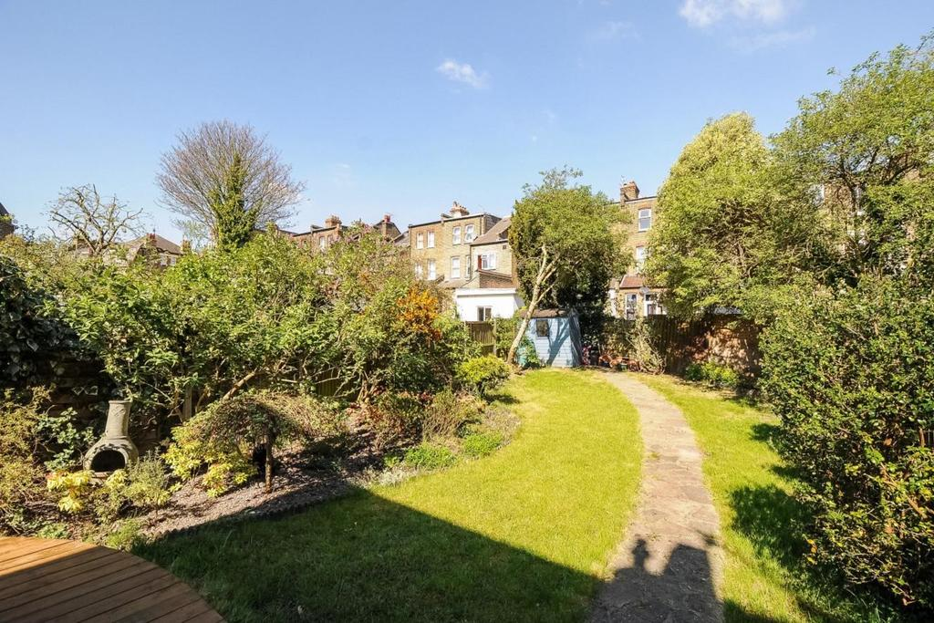 2 Bedrooms Flat for sale in Plympton Road, Brondesbury