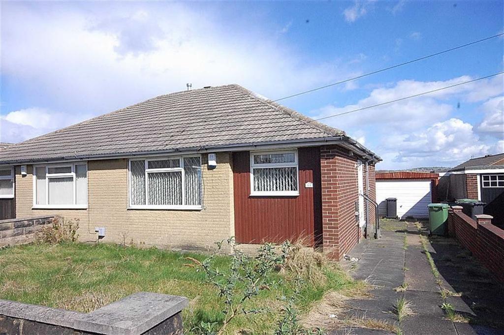 2 Bedrooms Semi Detached Bungalow for sale in Coniston Avenue, Dalton, Huddersfield, HD5