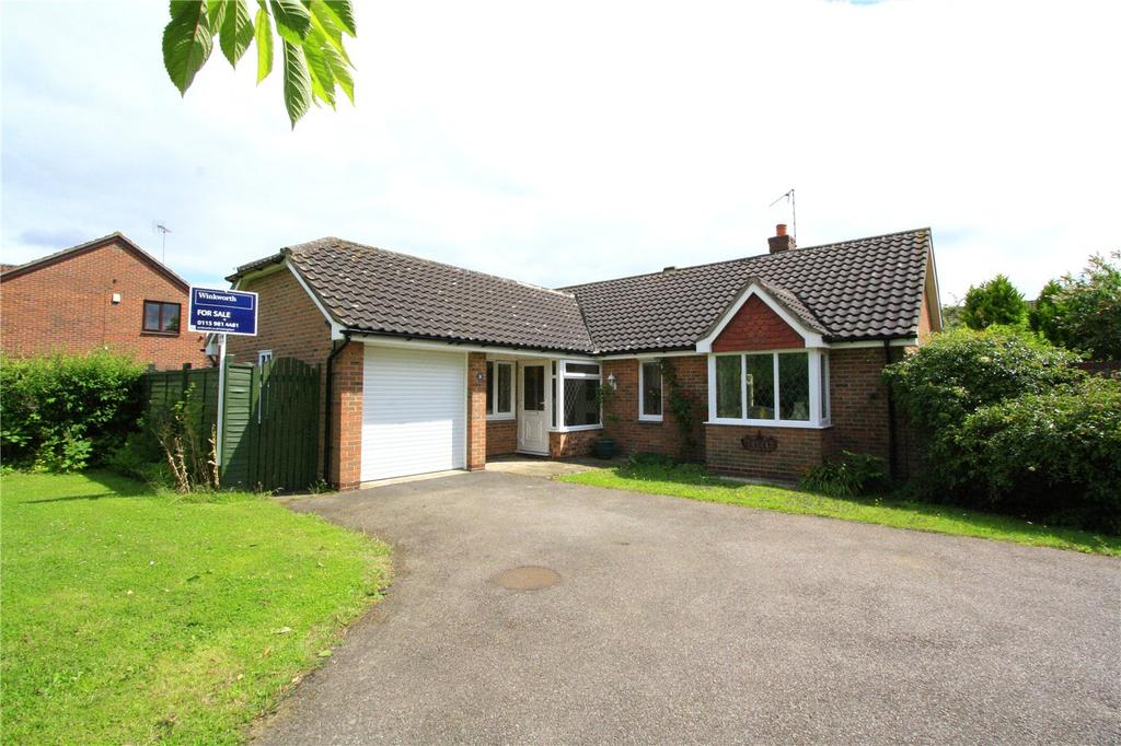 3 Bedrooms Detached Bungalow for sale in Cranberry Close, West Bridgford, Nottingham, NG2