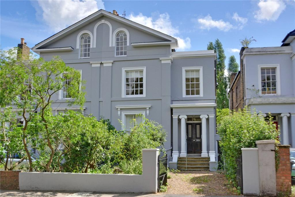 3 Bedrooms Flat for sale in Lee Terrace, Blackheath, London, SE3