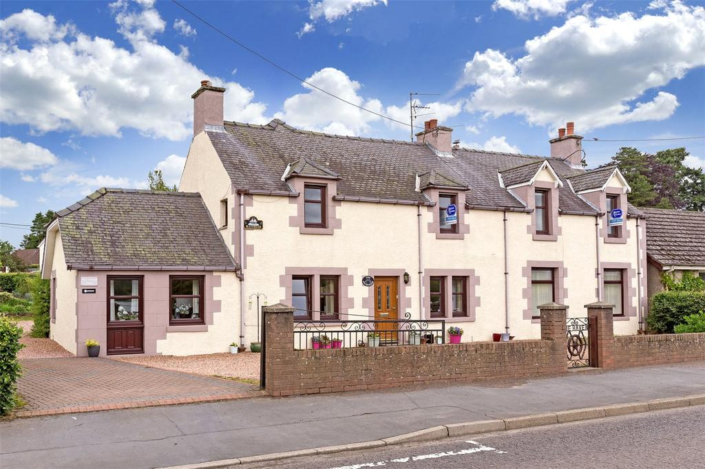 2 Bedrooms Flat for sale in Masthead, Main Road, Woodside, Perthshire, PH13