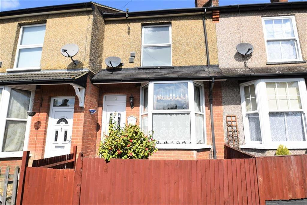 2 Bedrooms Terraced House for sale in The Crescent, Watford, Herts