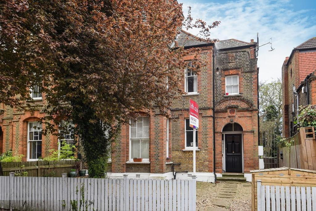 2 Bedrooms Flat for sale in Telford Avenue, Streatham, SW2