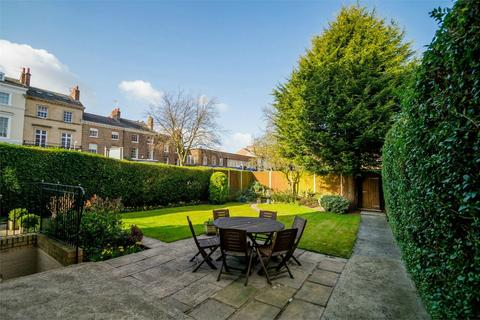 6 bedroom end of terrace house for sale - The Mount, YORK