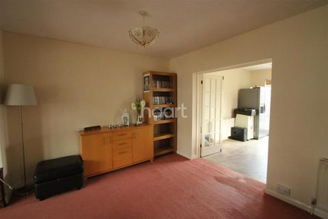 3 bedroom semi-detached house to rent - Derwent Drive