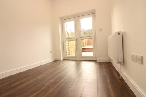 7 bedroom flat to rent - Clinton Road, Seven Sisters, London N15