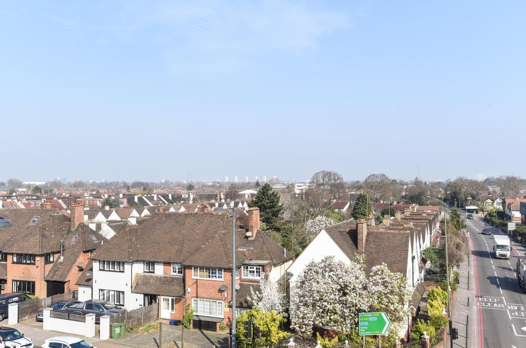 2 Bedrooms Flat for sale in Deanhill Court, East Sheen