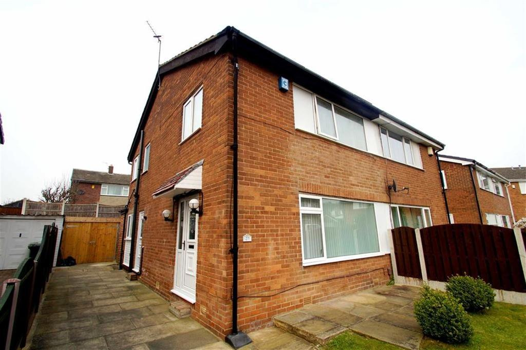 3 Bedrooms Semi Detached House for sale in Temple Rise, Leeds