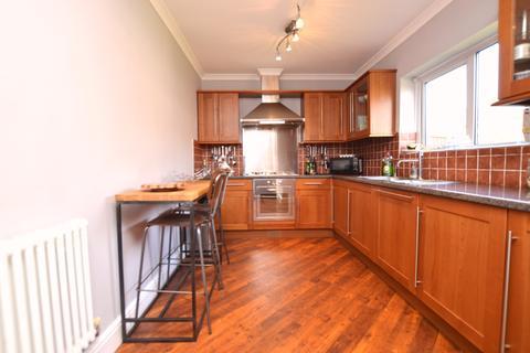 2 bedroom semi-detached house to rent - Alderwood Road Eltham SE9