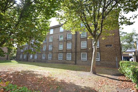 3 bedroom flat to rent - Frendsbury Road Brockley SE4