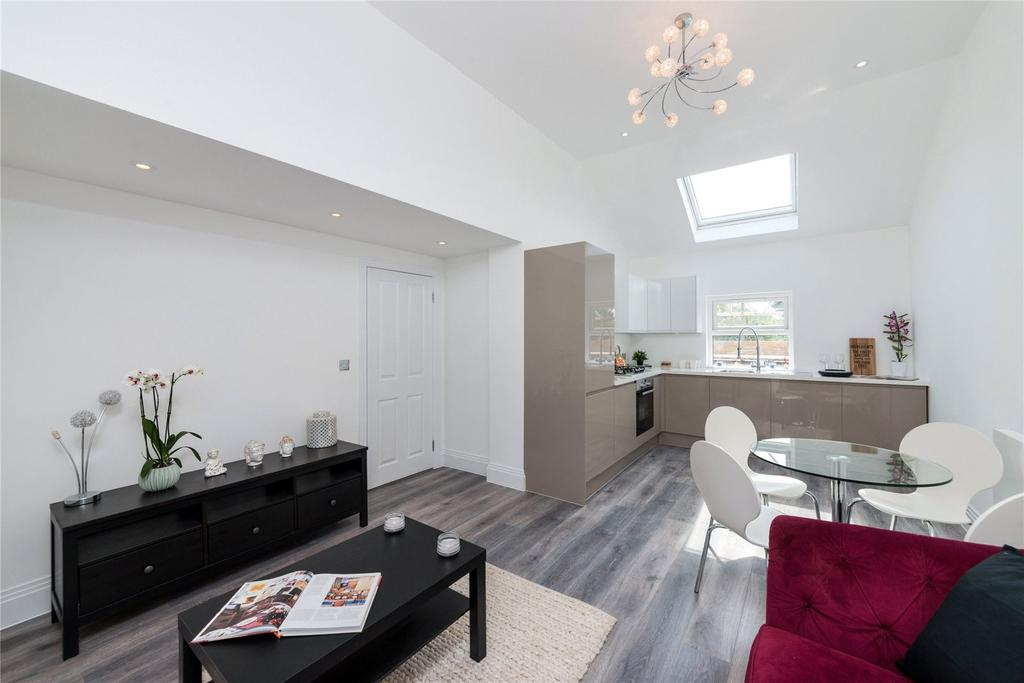 2 Bedrooms Flat for sale in Mill Hill Road, Acton, London